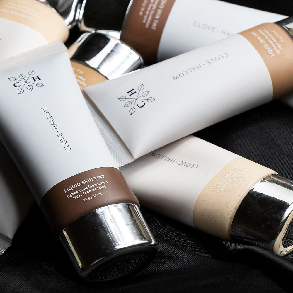 CLOVE AND HALLOW Liquid Skin Tint Foundation