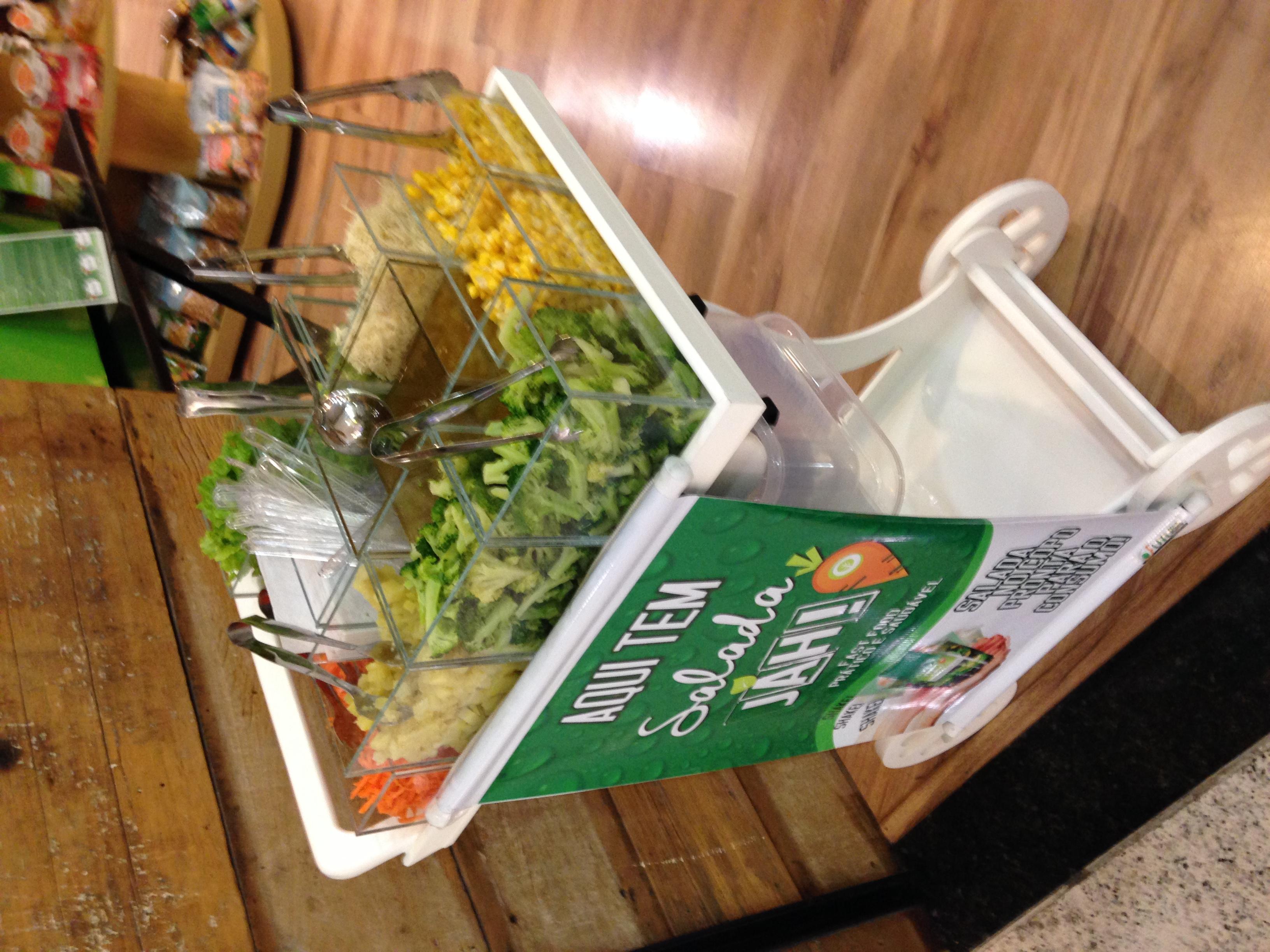 carrinho de saladas