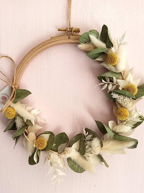 Eucalyptus - Couronne fleurie sur tambour à broder