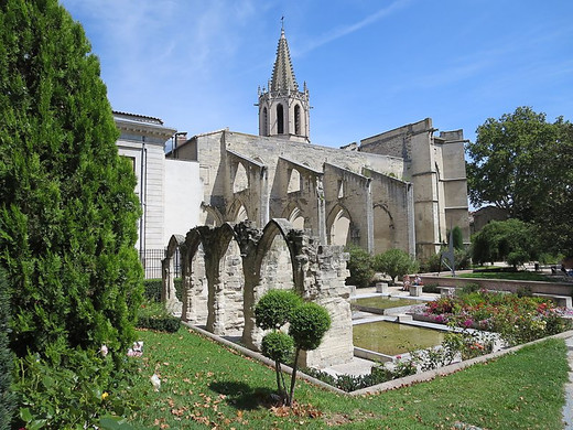 Cloître du temple Saint-Martial en Avignon