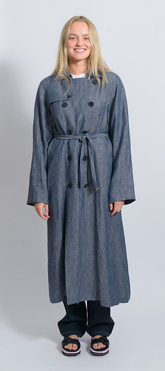 Trench Coat with Jeans Look