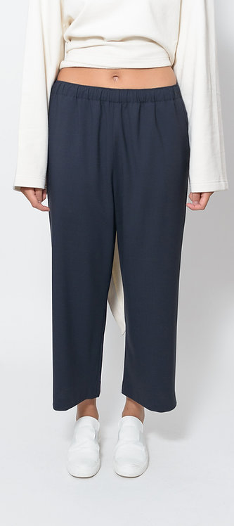 Pull-on Trouser in Navy