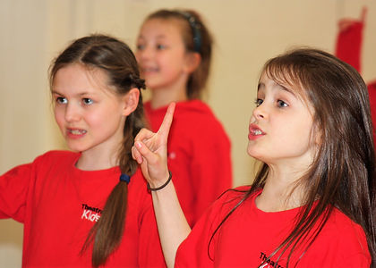 children acting and singing