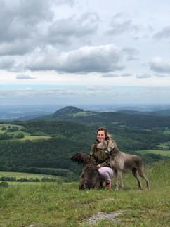 J und Hunde.jpg