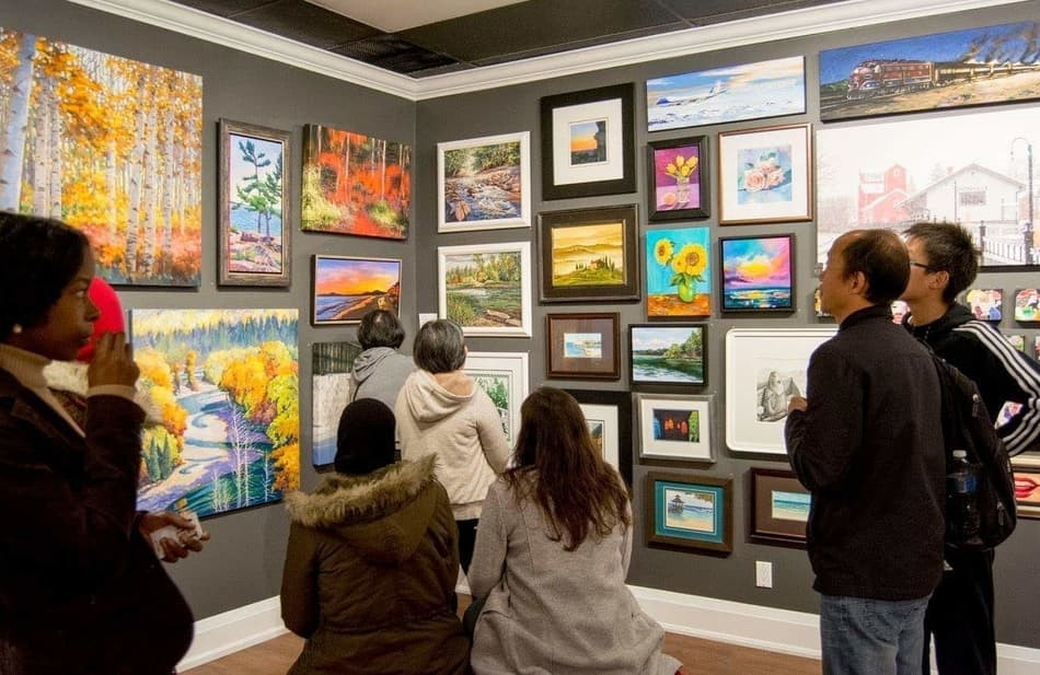Art Enthusiasts at the Holiday Salon Show, 2017