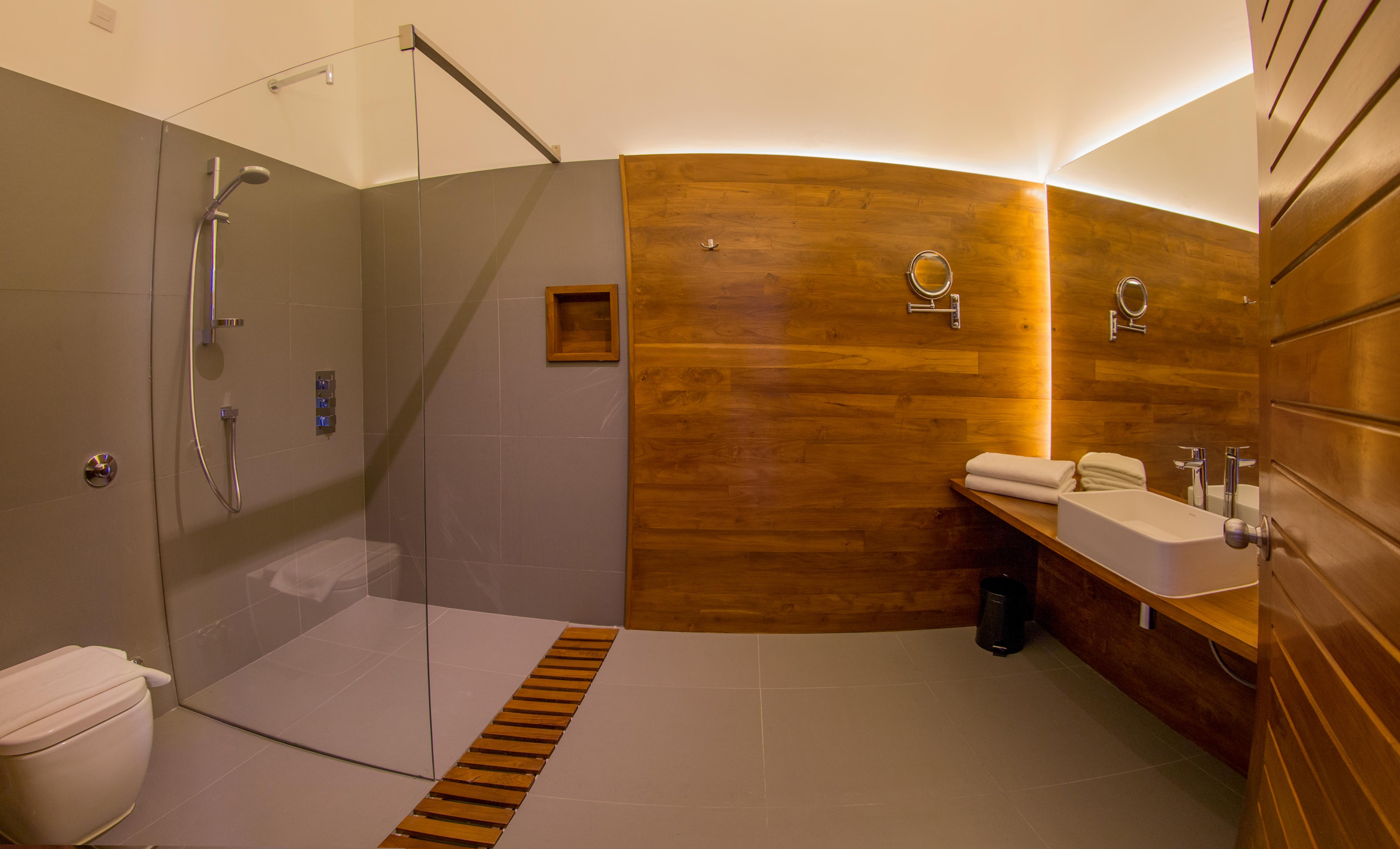 11 Ocean View Deluxe (Toilet)