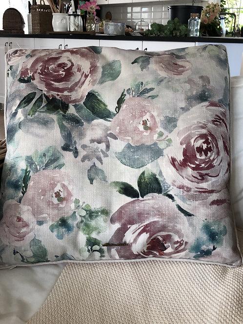 Faboulous Flora Pillow Cover pink
