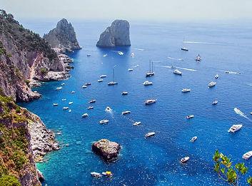 Capri-barche-in-rada.jpg