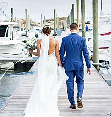 Wedding / Branford Yacht Club / Ladybug Designs / Annelee Photography