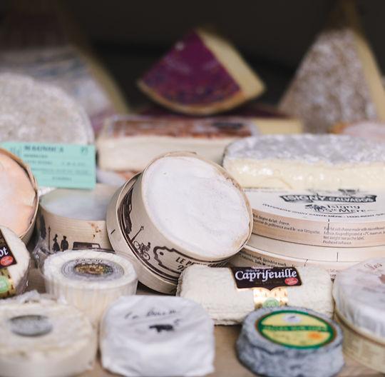 Eine gosse Auswahl an Käse