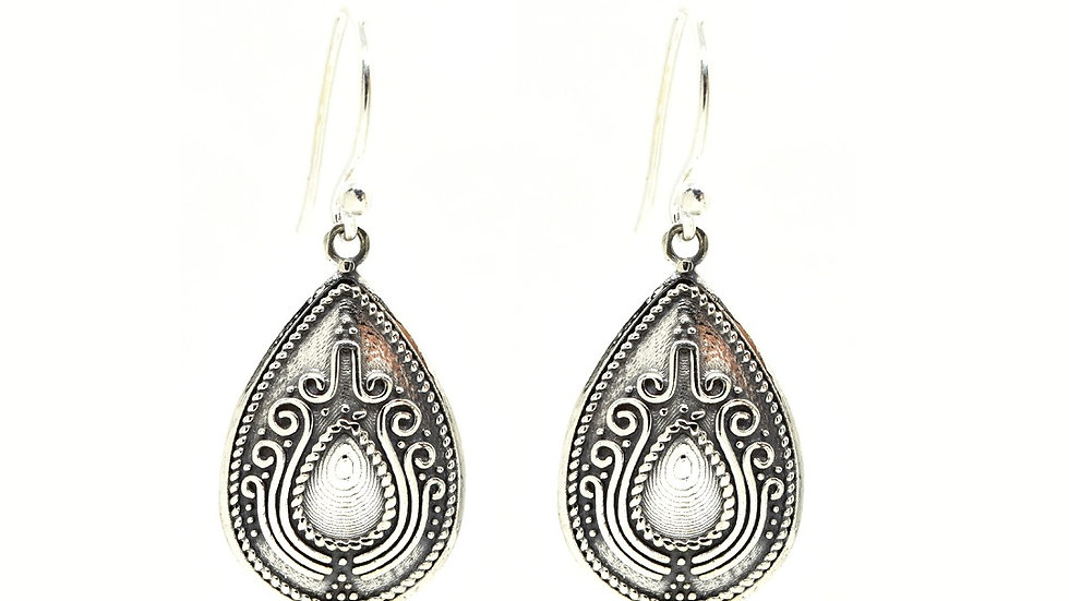 Pear Shaped Antique Oxidized 925 Sterling Silver Earring