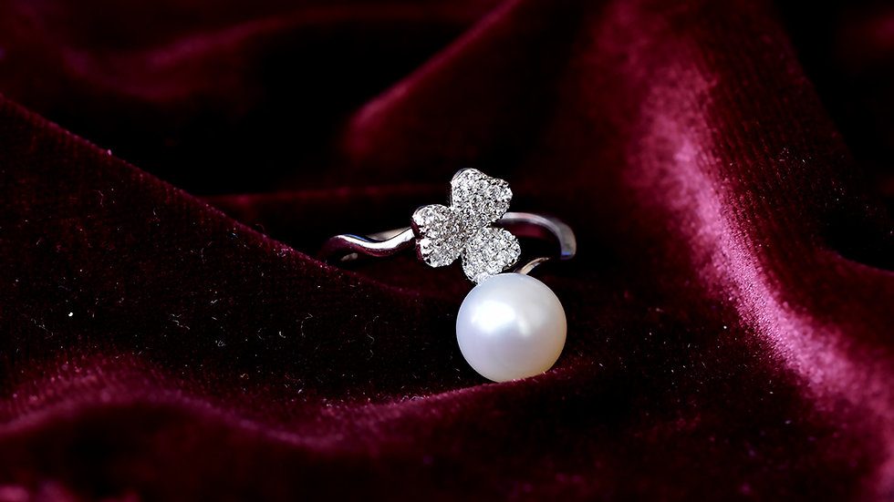 White Pearl Ring With Heart Shape Petals