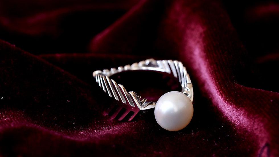 Designer Leaf Pearl Ring