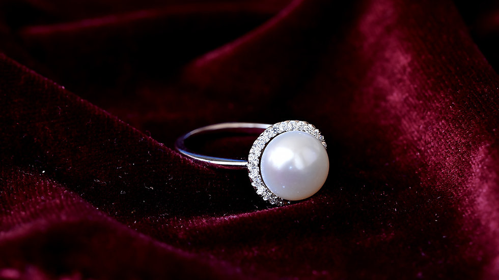 Basket of Moon White Pearl Ring