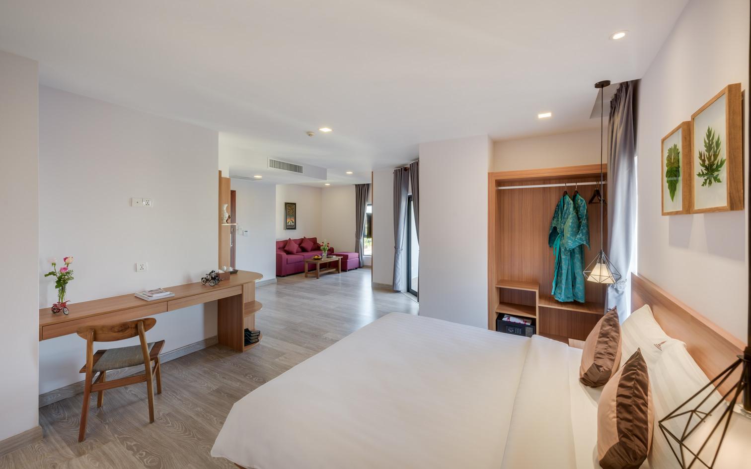 Room-Phnom Penh