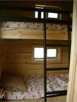 Cabin_B_bunks