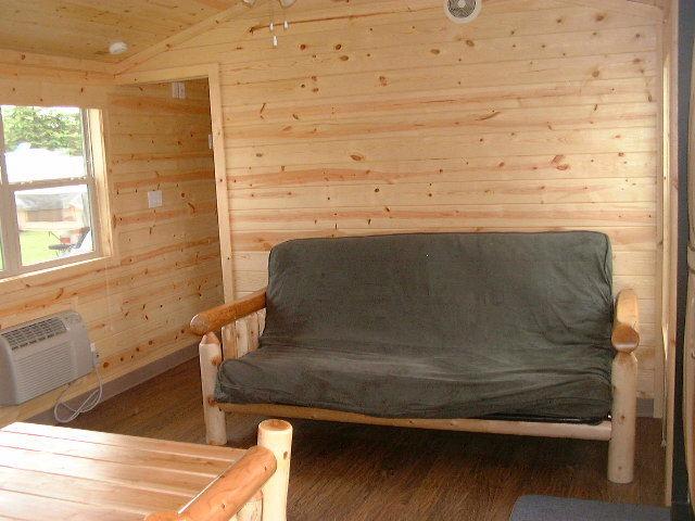 Cabin_B_futon