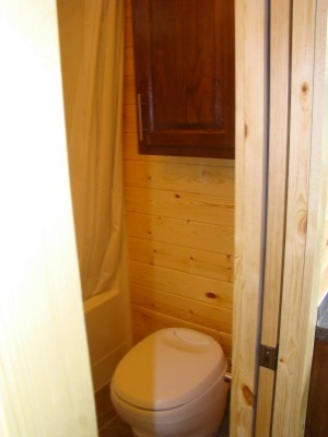 Cabin_A_toilet_edited