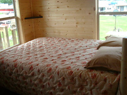 Cabin_B_bedroom
