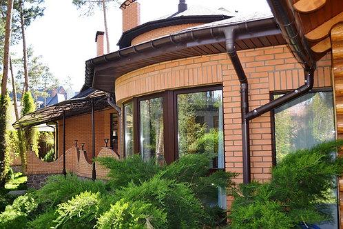 Сосновый бор , дом в лесной части козина.