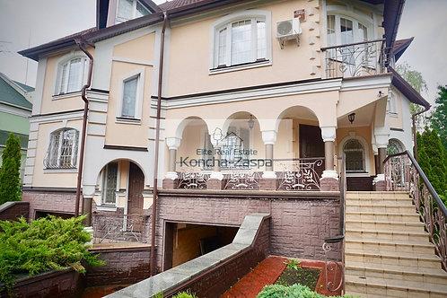 Статусный дом в классическом стиле
