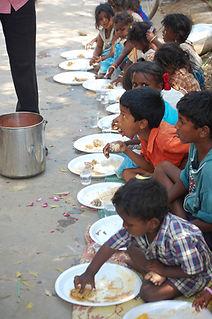 kids_eat.jpg