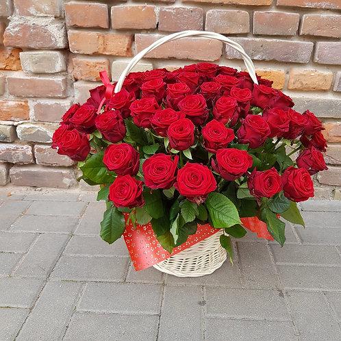 Kosz kwiatowy - Róże Naomi Red 60cm 49szt.