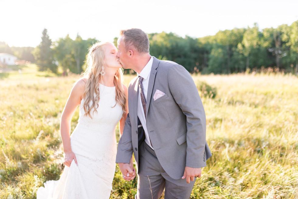 Wedding Photographer - Big Valley, AB - Kirk & Nancy