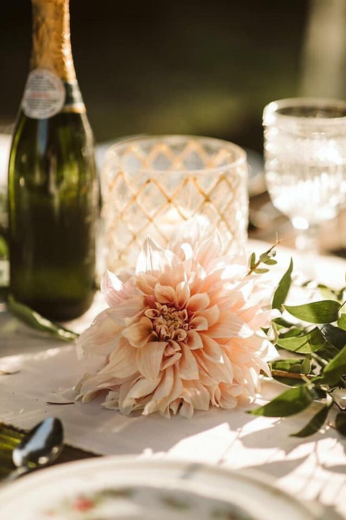 Clear vase with crisscrossed gold glitter