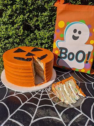 Halloween theme Cake slice.jpg