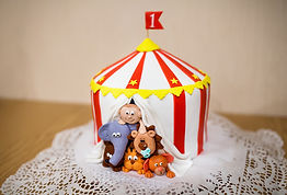 Tortys ist ein Shop für Tortenzubehör wie Fondant Marzipan Lebensmittelfarbe. Backanfänger und Profis erhalten hier alles fr Torten Cupcakes Cake Pops und mehr.