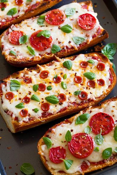 пица върху филия-бързи закуски-lubkailievakk.com