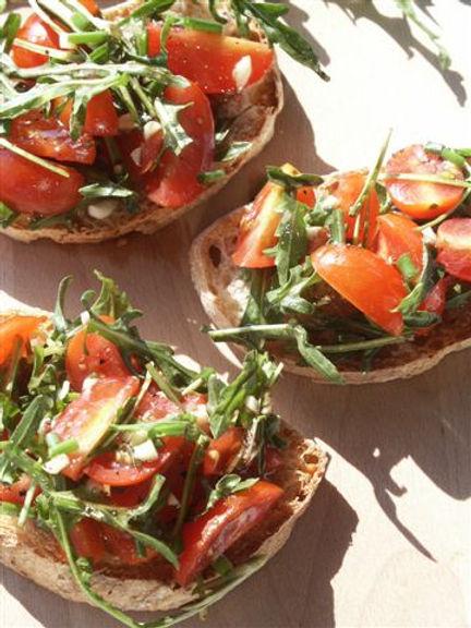 земел с рукола, и чери домати-lubkailievakk.com