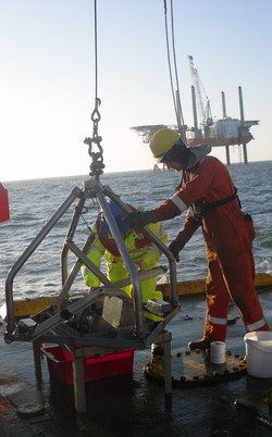 Day Grab working offshore