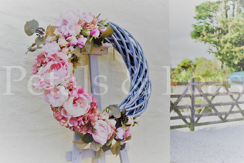 * Large 3/4 Stripped wicker rose design