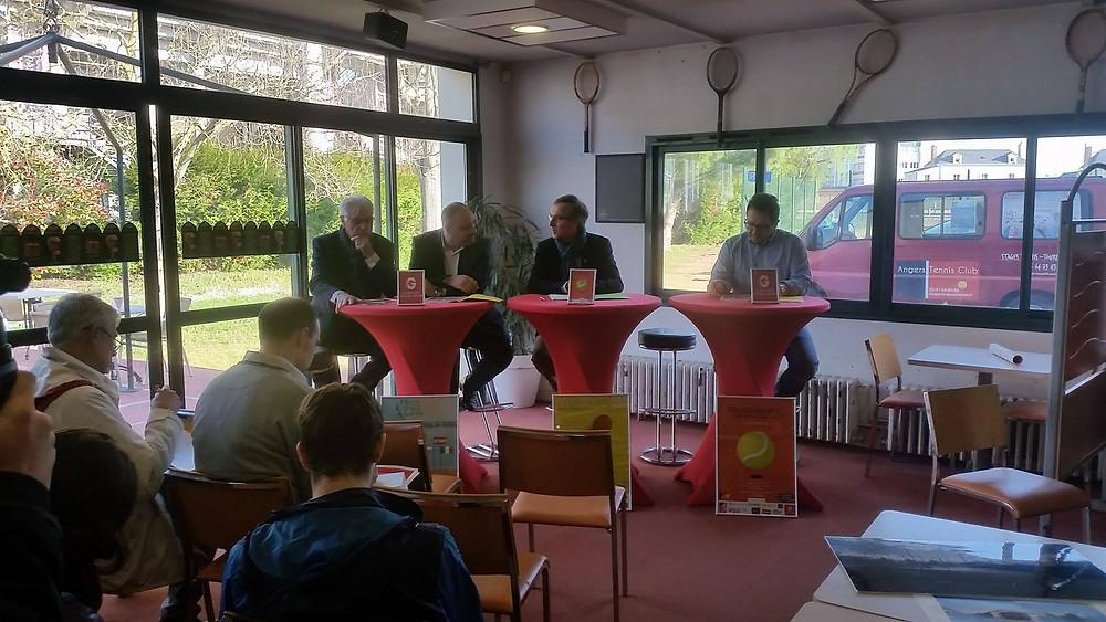 La conférence de presse, à l'Angers Tennis Club