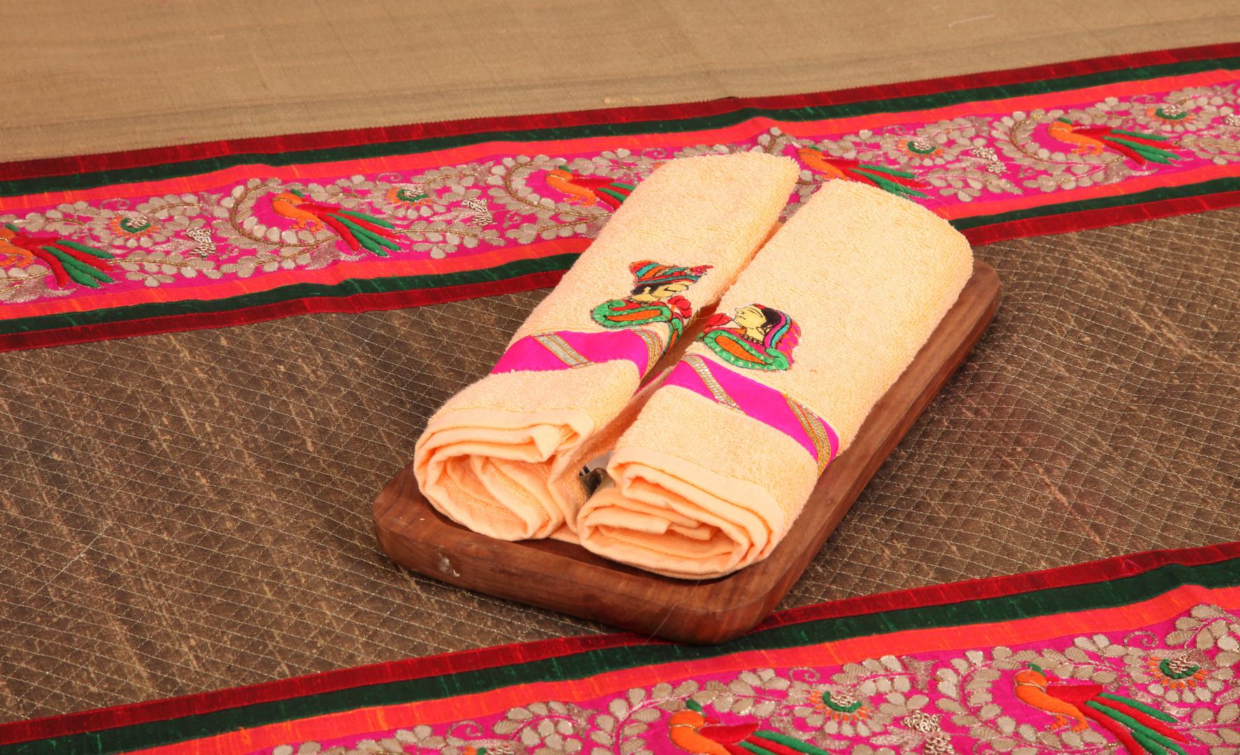 Raja - Rani Towels