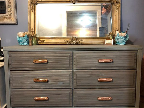 Glimmer & Glitz Dresser