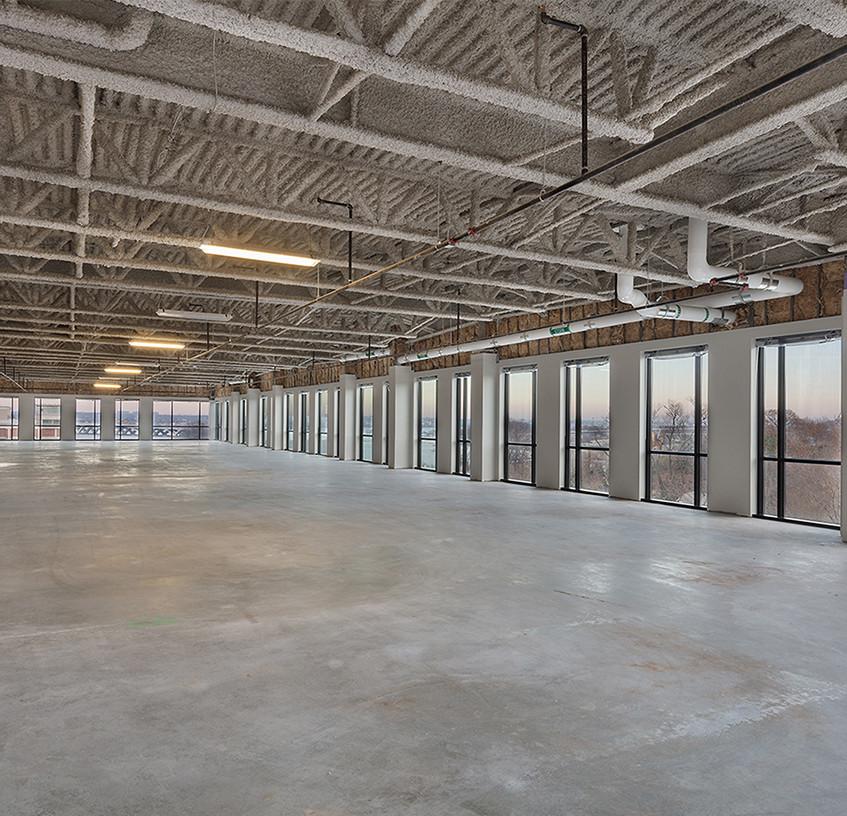 Building-Features-Elevators-Image-2_05x.
