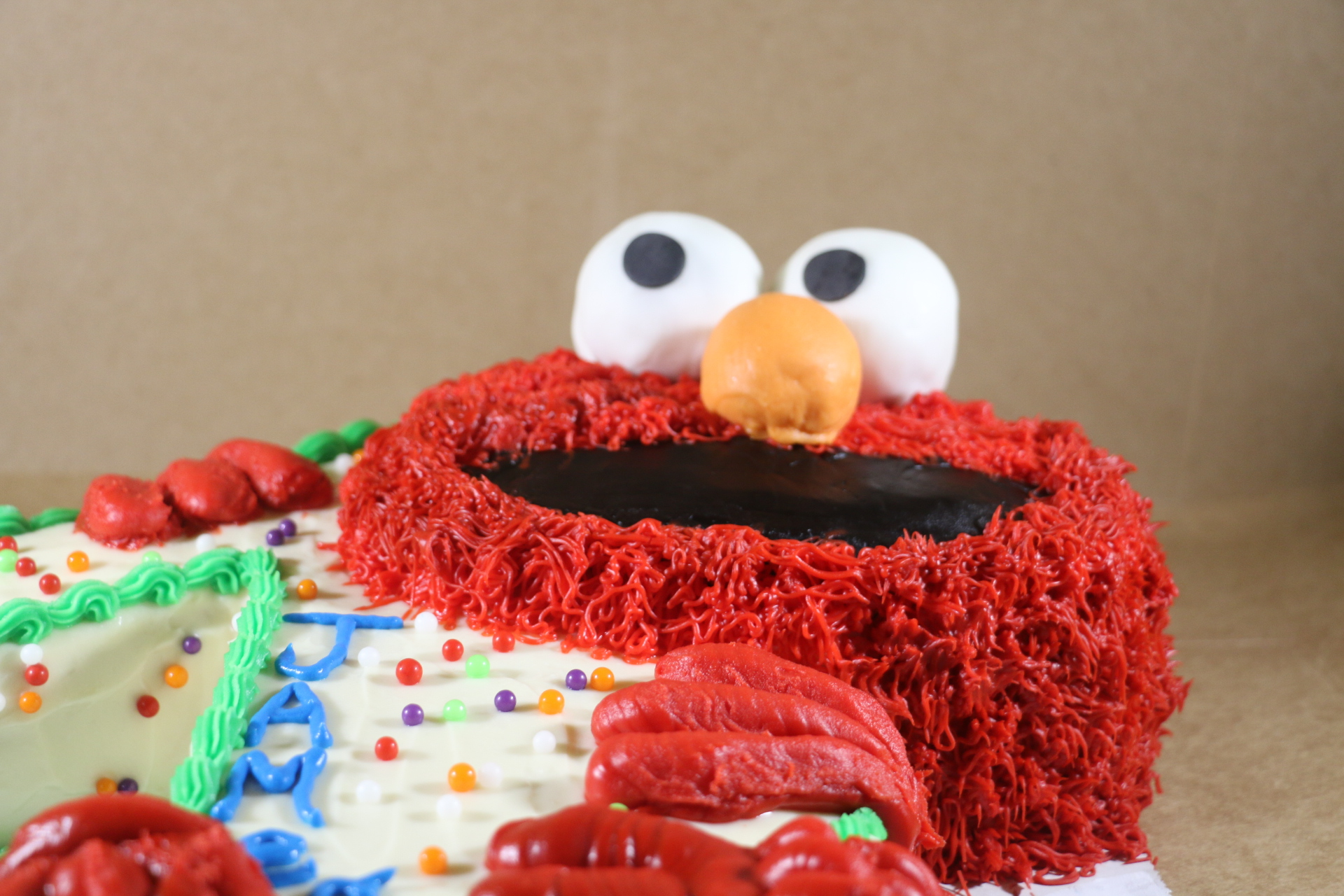 Happy Elmo