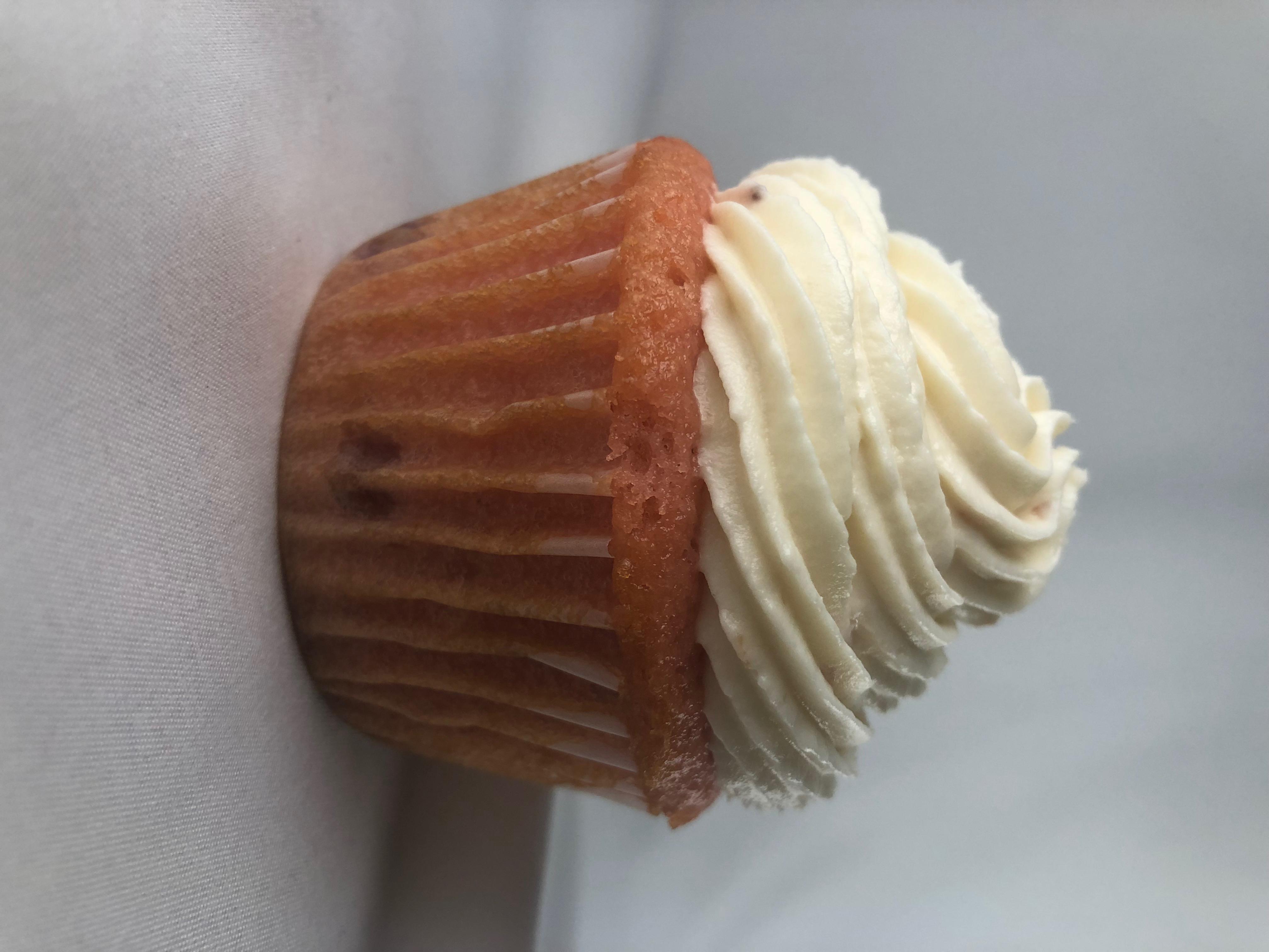 strawb cheesecake cupcake