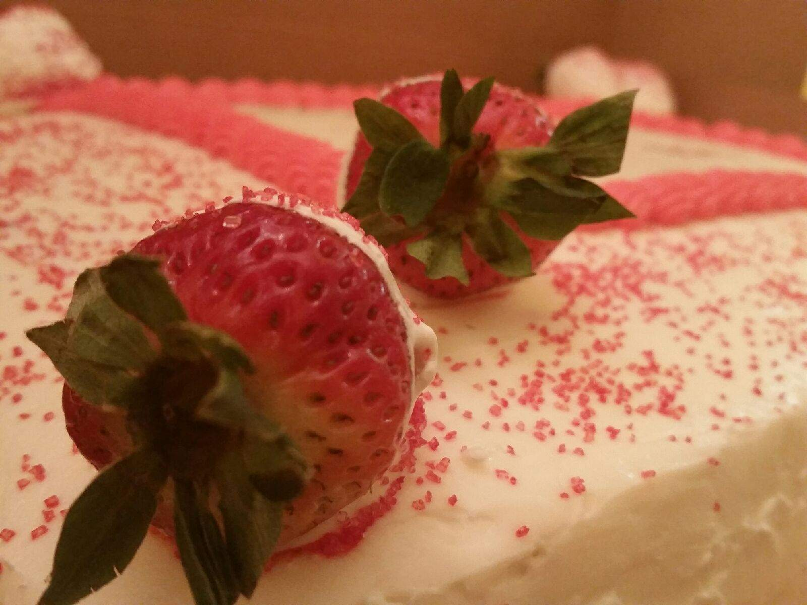 strawberry office cake