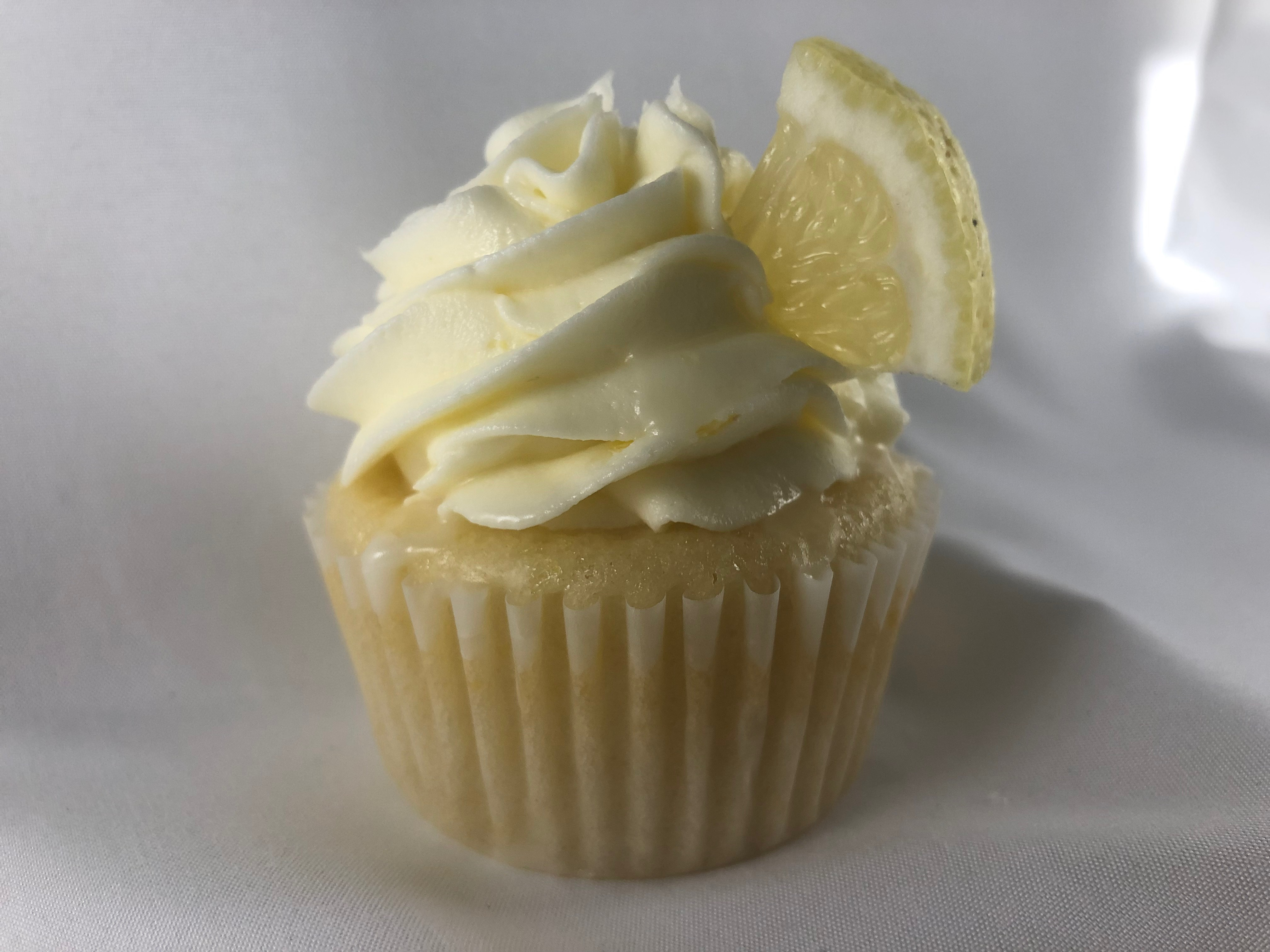 lemon addiction cupcake