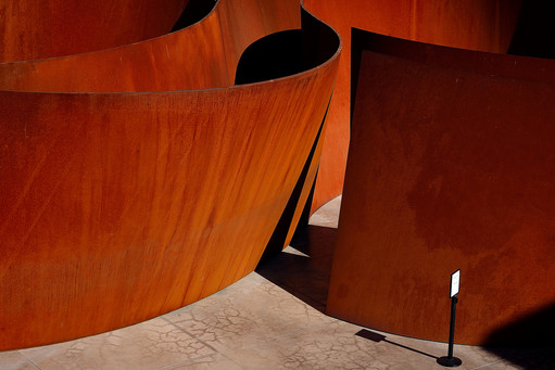 richard-serra_sequence_stanford_cantor_s