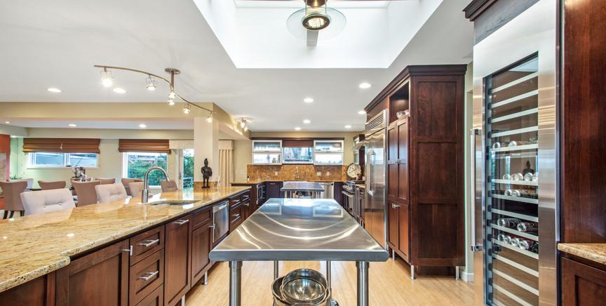 kitchen full 2.jpg