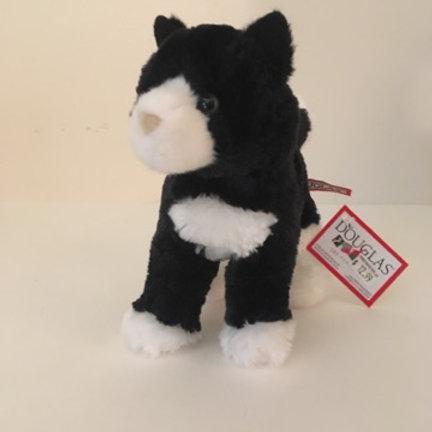 Douglas Snippy Cat #4092