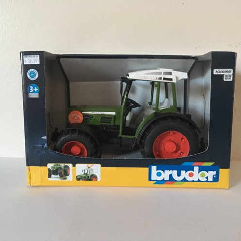 Bruder Tractor #02100