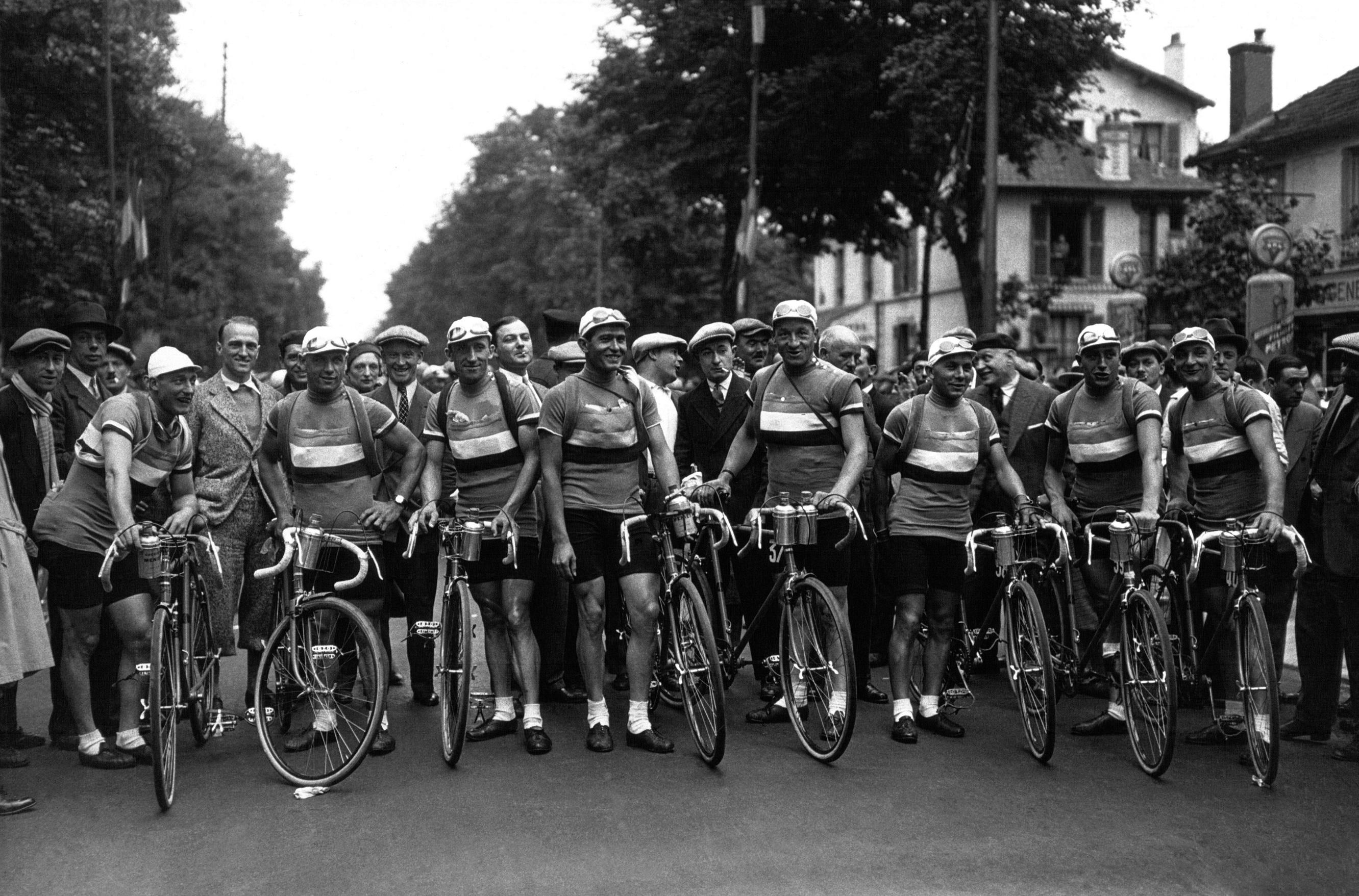 Ambiance avant une course, années 40