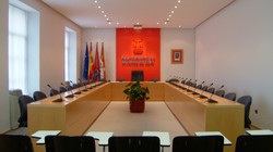 Salón de plenos institucional