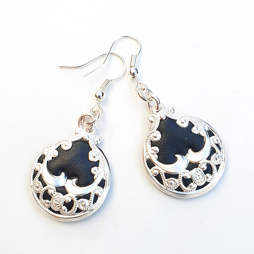 Silver lace round dangle earrings